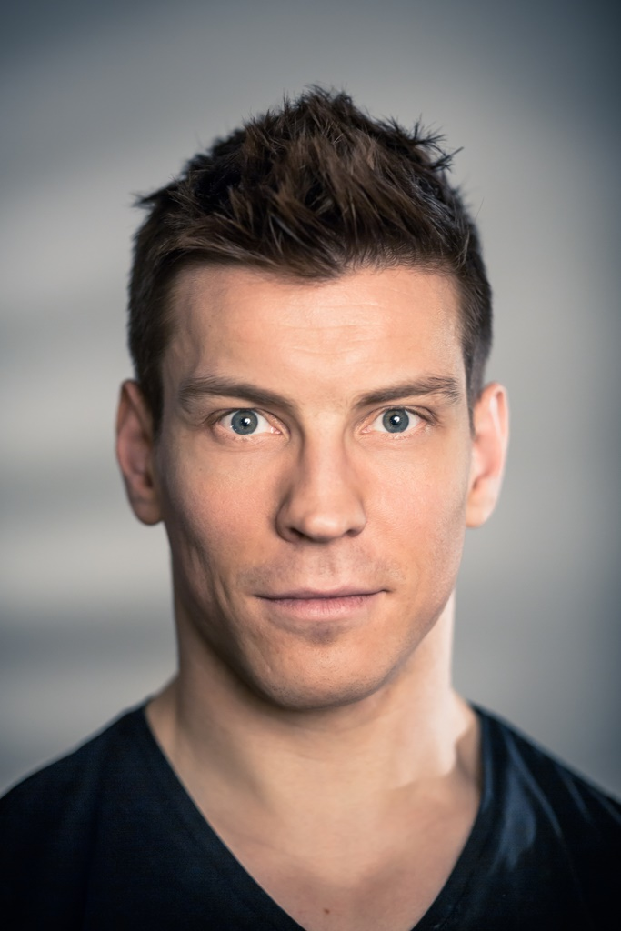 Antti Holma Alasti